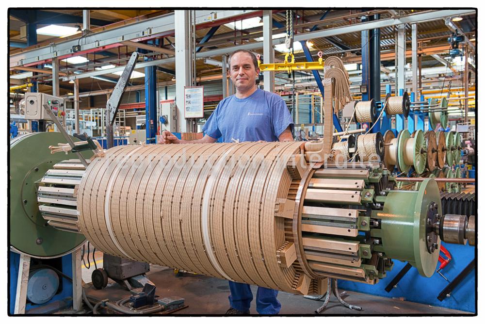 France transfo 57, serie de portraits d'opérateurs dans les ateliers