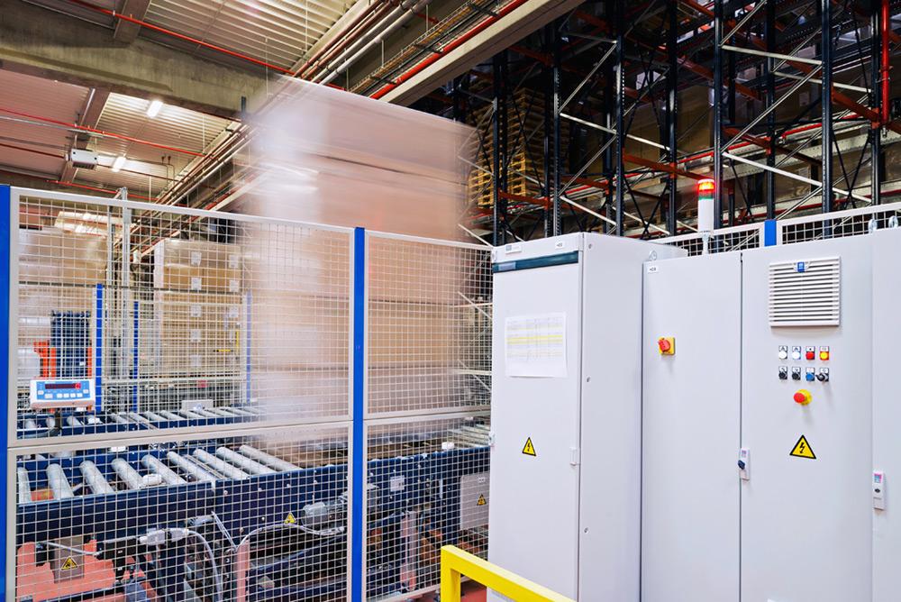 Système de rayonnage chez United Caps à Wiltz,( Luxembourg) client : Mecalux Barcelone