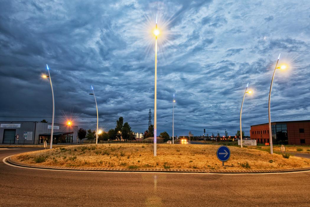 Tournée sur différents sites d'intégration lumière avec les mâts conimast 2019